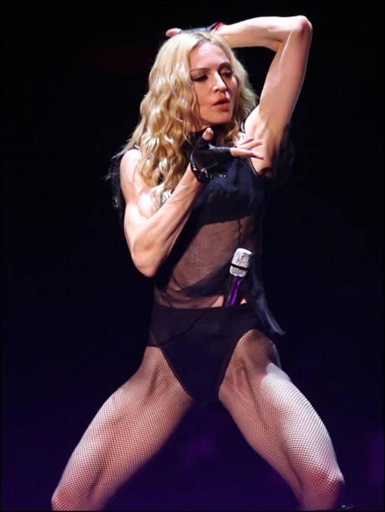 Постаревшая Мадонна потеряла сексапильность, изуродовав фигуру ...